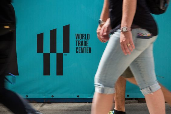 World Trade Center slogan en una pared de Nueva York