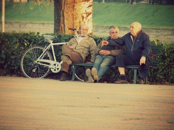 """The Conversation"" | An Urban Pictorial"
