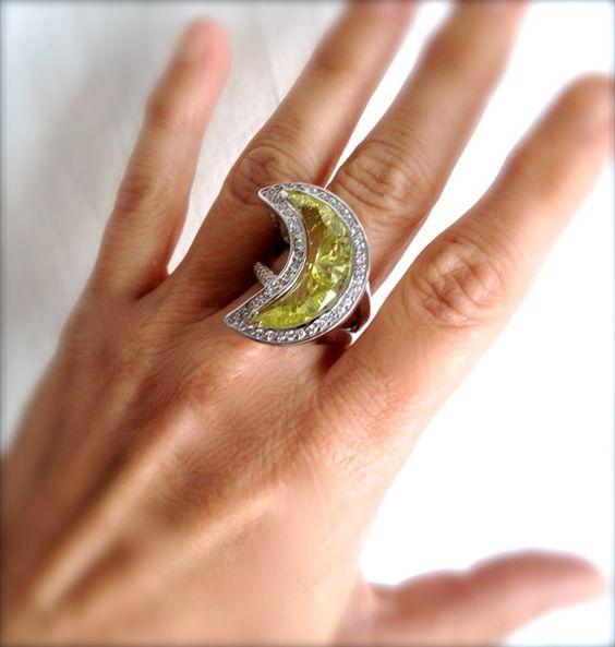 Vintage Peridot and Pave Estate Jewelry Ring by WOWTHATSBEAUTIFUL