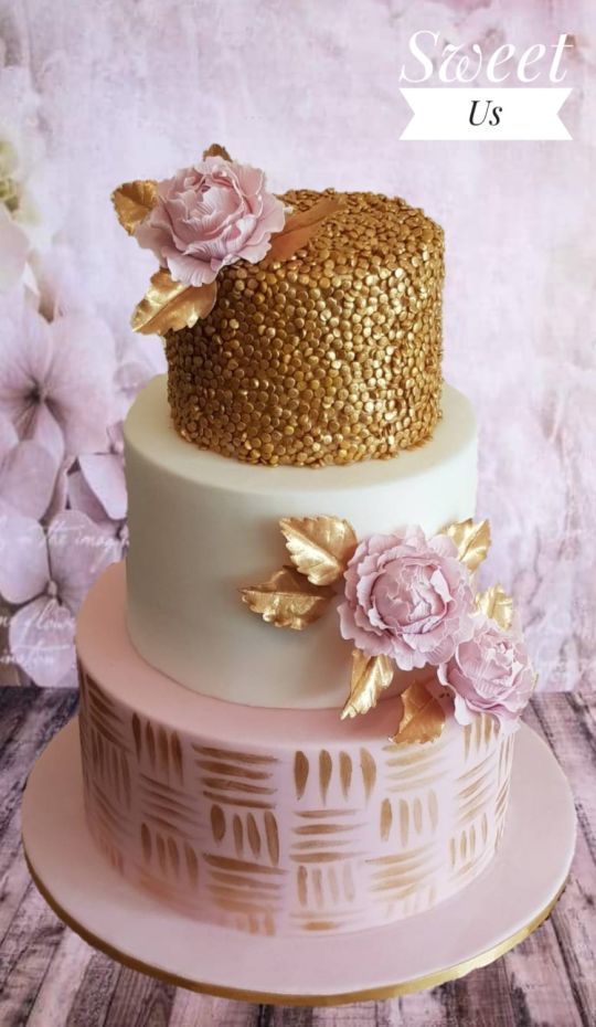 Gorgeous Pink Gold And White Wedding Cake Golden Sequins Leaves Flowers Wedding Cakes Wedding Cake Designs Gold Wedding Cake