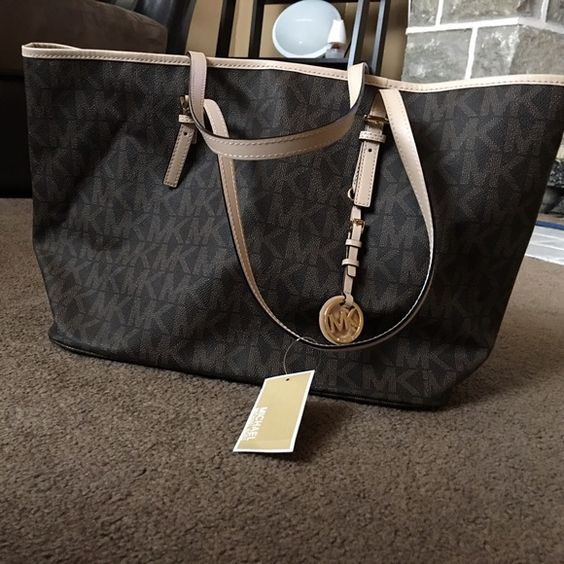 Brand New Checkerboard Mk tote Brand New never worn good condition Michael Kors Bags Totes