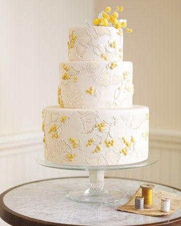 Martha Stewart has the most beautiful wedding cakes. This one is so elegant yet eye catching wedding-ideas