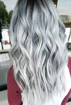 Dipleri Koyu Uclari Acik Renk Gri Silver Gumus Ombre Sac Rengi Modeli Kadinca Fikir Kadinca Fikir Sac Rengi Fikirleri Sac Beyaz Sac