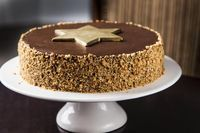 Bolo de nozes com recheio de chocolate - Guia de Fim de Ano - GNT