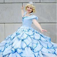 Glinda Bubble Dress cosplay - I&-39-m pretty sure this is the best ...