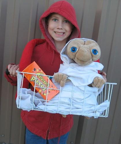 Aliens bikes and costumes on pinterest for Diy halloween costumes for kid boy