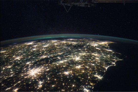 地球、生きてるみたい。  Image Science & Analysis Laboratory, NASA Johnson Space Center