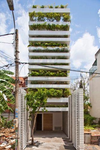 """A """"Casa Verde Empilhada"""", em Ho Chi Minh, é uma versão das tradicionais casa-tubo do Vietnã. O projeto é do arquiteto vietnamita Vo Trong Nghia"""
