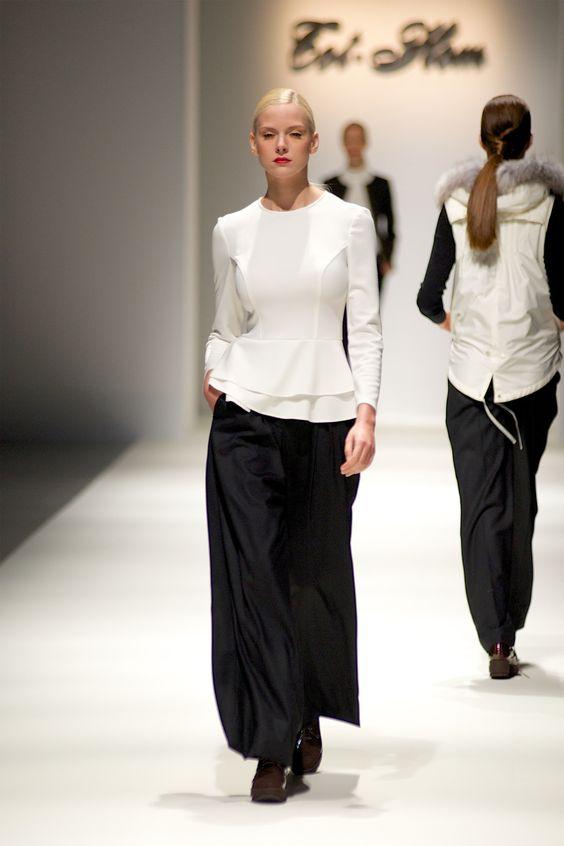 Tot-hom_FW14_6 #tothom #tot-hom #pretaporter #lineaa #modamujer #moda #fashion #desfile #fw14 #Barcelona #Madrid #tendencia #streetstyle #model #modelo #sneaker #blucher #abrigo #pantalonpitillo #vestido