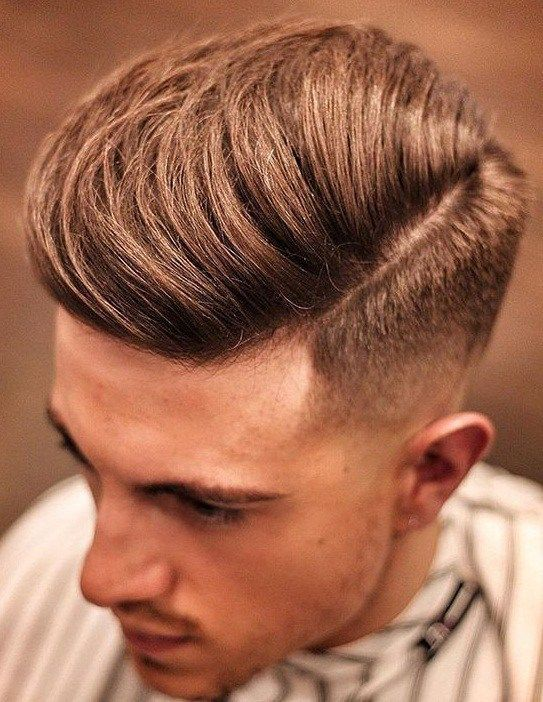 Looking For A New Look Somewhere In Between Short And Long Hair Check Out These Super Trendy Medium Length H Mens Hairstyles Long Hair Styles Men Hair Styles