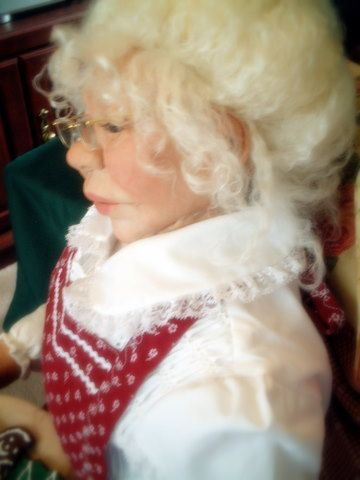 Mrs. Claus 3ft. sculpture by Michele Barrow-Belisle, via Behance