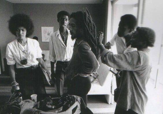 Bob Marley-1 4-7 1980 - Bob in Gabon, Africa_files
