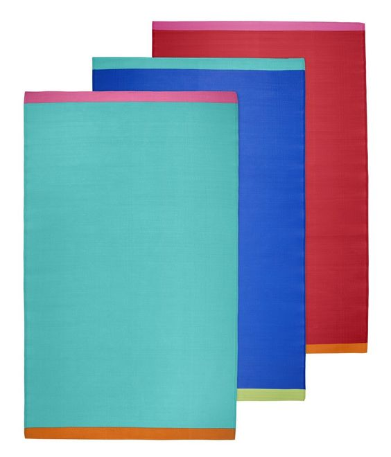 Ces nattes en plastique ne craignent pas la pluie   SPRINGKORN tapis 29,95€/pce. 180x300 cm. 100% polypropylène. Div. coloris.