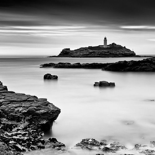 LIGHTHOUSE (by Spencer-brown)