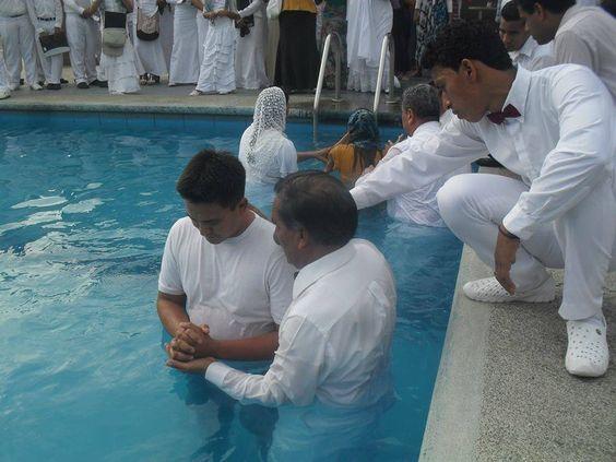 En la iglesia de Machala, se realizaron 22 bautizos, 1 de la iglesia de la Delicia, 2 de la  iglesia del Guabo y 19 de la iglesia de Machala, Este dia el regalo mas grande que recibieron los nuevos hermanos, es de ser hijos de Dios,