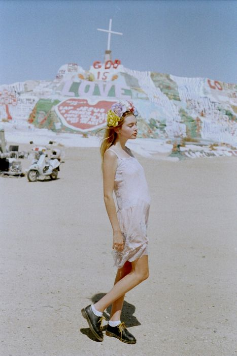 via DAYDREAM LILY    Styled by Tavi Gevinson of Rookie Mag and Style Rookie. 'Like' even more on that merit. :)