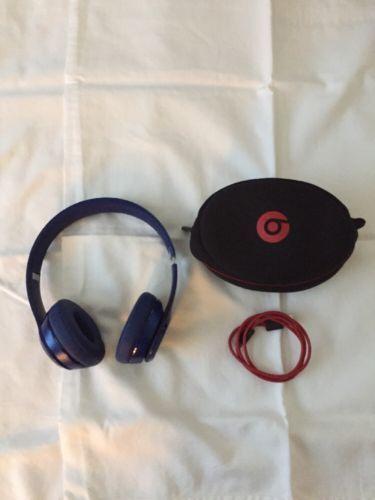 Beats by Dr. Dre Solo2 Wireless Headband Headphones - Blue https://t.co/2ex02qLHMM https://t.co/wU1jqpI5mD