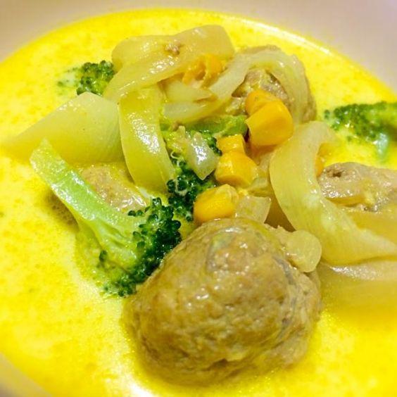 ブロッコリー美味しい✨ マイルドなカレースープです☆ (=´∀`)人(´∀`=) - 63件のもぐもぐ - ミートボール•ブロッコリーのミルクカレースープ by alkarinemgu15
