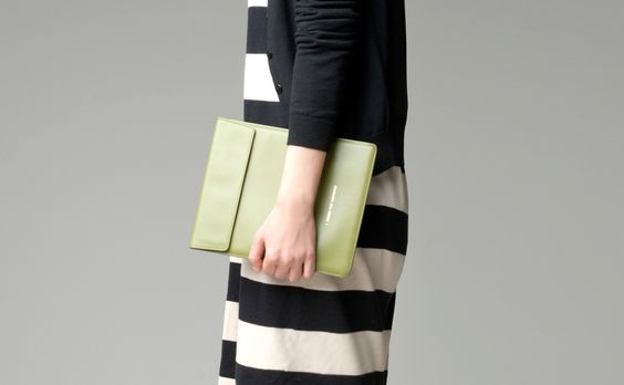 Apple pack pad 01 olive / leather case for iPad