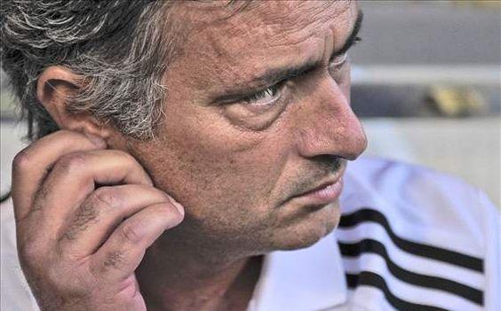 """Técnico do Barça: """"Não me surpreende que Mourinho fale do árbitro"""""""