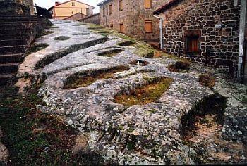 Necrópolis en Regumiel de la Sierra  #Pinares #Burgos #Soria #Spain