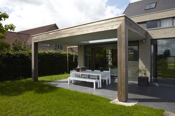 Houten terrasoverkapping overkapping hout bogarden terrasoverkapping pinterest veranda for Buiten patio model