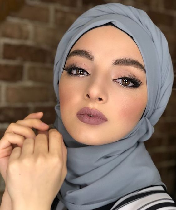 Вот такое приятное продолжения рабочего дня,красивый макияж  для фотосъёмок милашке @salixat_kasumova_ (жду хинкал) #стилистзайнабалиева #zainabalieva ##макияж #makeupartist #instagood #красота #стилист #мода #девушка #beauty #косметика #makeup #брови #визаж #MyTager_com #стиль #cosmetics #визажист
