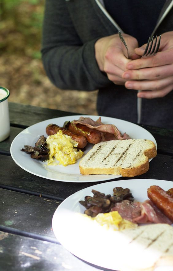 An adventure in Yorkshire :: breakfast outdoors.