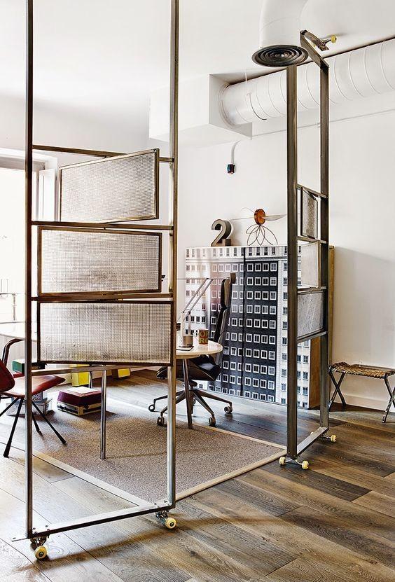 Nueve Ideas Inspiradoras Vía Pinterest Para Separar Ambientes En Casa Modern Room Divider Fabric Room Dividers Room Partition