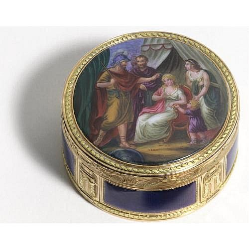 A gold and enamel snuff box