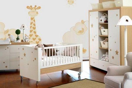 Decoração de quarto de bebe unissex com papel de parede