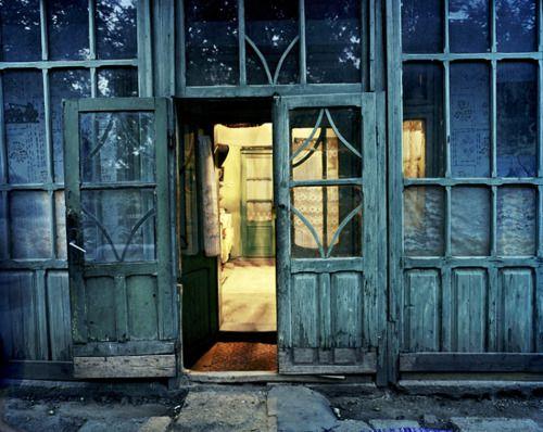 d o o r w a y : Beautiful Doorways, Doors And Windows, Doors Windows Stairs, Doors Windows Shutters, Beautiful Doors, Windows And Doors, Walls Windows Doors Gates