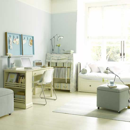 Office+guestroom with daybed