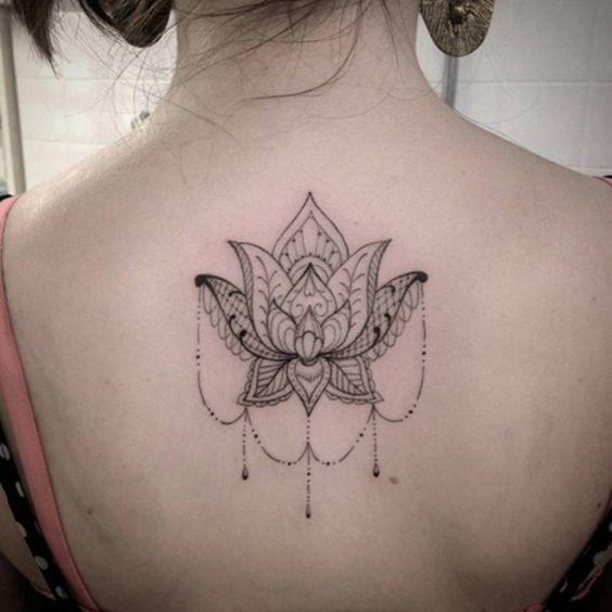 Mehndi Tattoo Espalda : Back tattoos for girls tatuajes de espalda superior