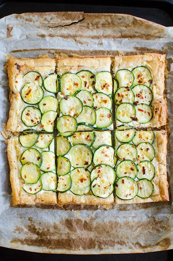 A simple zucchini tart made with puff pastry, ricotta, lemon and chili flakes. | livinglou.com