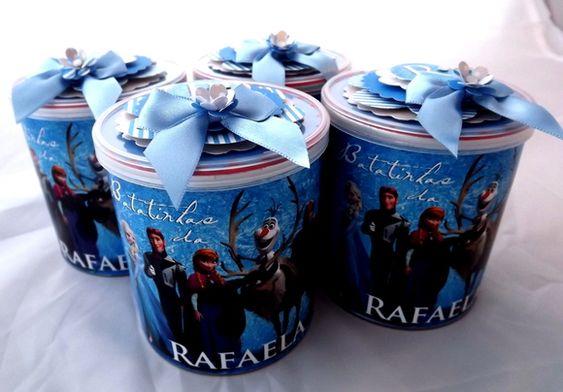 Batatinhas com rótulo em papel personalizado com tema e nome do aniversariante. Tampa com aplique em scrap, laço de cetim e detalhe em strass. R$ 6,50