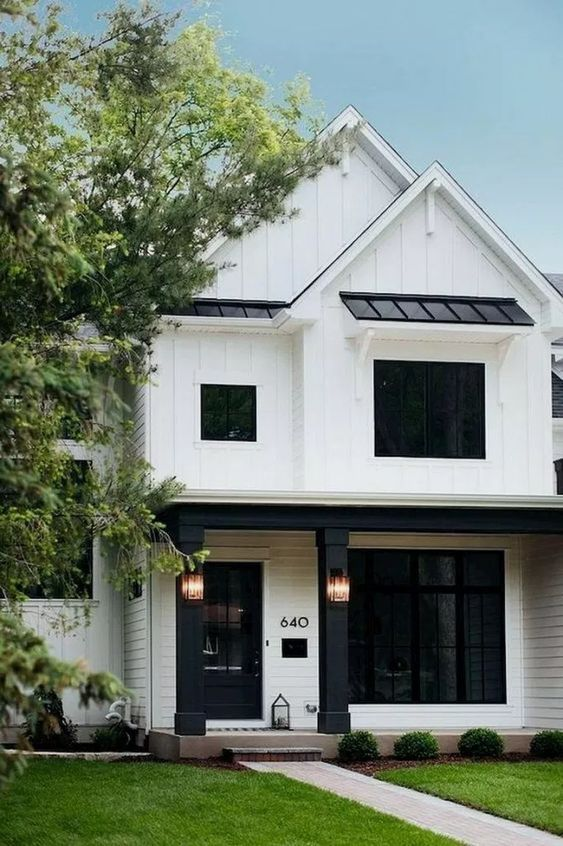 Best Windows Size Type Is It Ok To Do Black Frames Modern Farmhouse Exterior White Exterior Houses Dream House Exterior