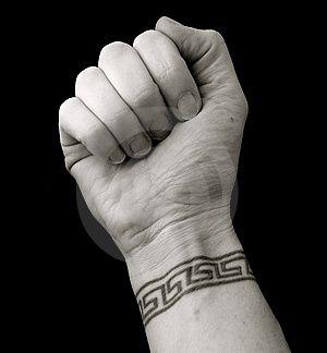 Résultats Google Recherche d'images correspondant à http://www.tattoo-tatouages.com/wp-content/uploads/2010/03/modele-tatouage-poignet-brace...