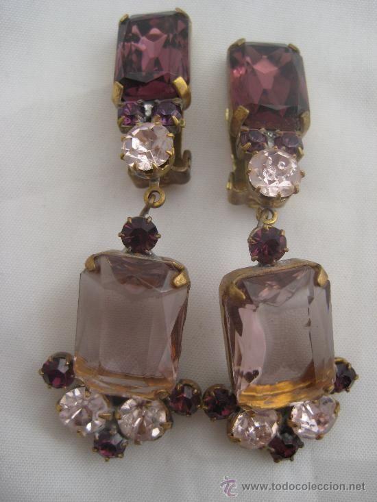 Muy bellos y elegantísimos pendientes vintage con finos cristales de bohemia, firmados