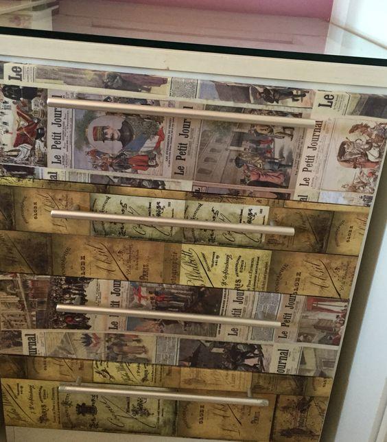 Criado mudo vintage de jornal