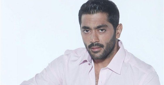 اعتذار واجب أحمد فلوكس يوجه رسالة للمذيعة اللبنانية ديالا مكي Lab Coat News Fashion