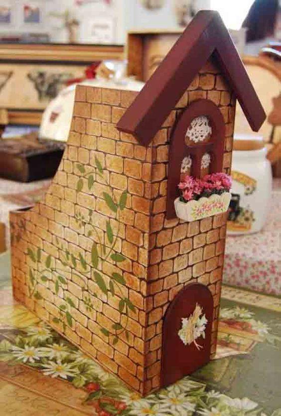 Saiba como reciclar caixas de cereais aí na sua casa, que podem ser transformadas em brinquedos, enfeites, maquetes, organizadores de livros, e muito mais.