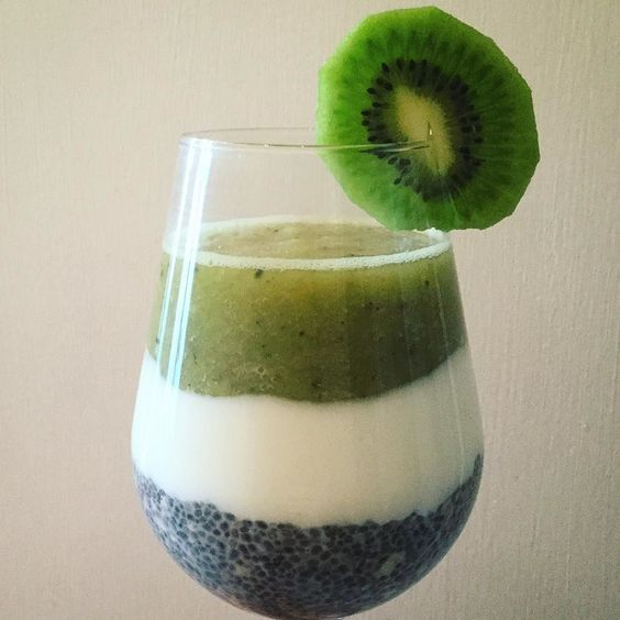 Vitaminbombe für einen guten Start in den Tag  #goodmorning #goodmorningpost #foodporn #fresh #healthy #healthyfood #healthyliving #vitamine #cleaneating #eatclean #chia #chiapudding #kiwi #banana #greecejoghurt #fruits #abnehmen #bikinifigur2016 #fitness #fitnessfood #fitnessaddict #bikinifigur2016 #instalove #instafood #germany by honeeey_123