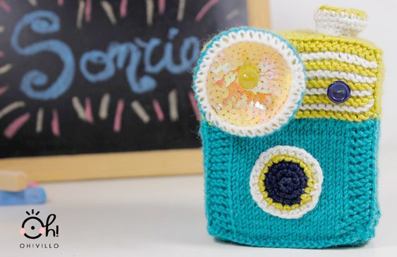 Very cool camera amigurmi – it lights up! #LED #craft #handmade #DIY #amigurumi #crochet