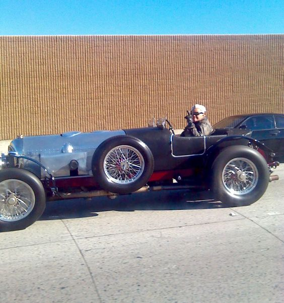 Jay Leno out for a New Years Day day drive! Happy New year Jay !!! 2015...