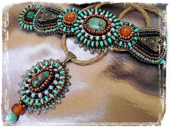 Turquose with carneol