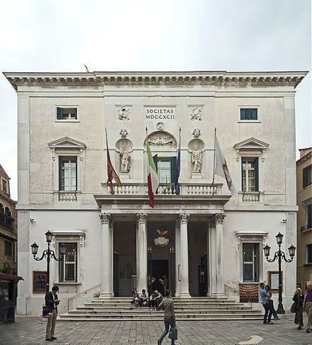 Das Teatro La Fenice (italienisch [te'atro la feˈnitʃe]), mit vollem Namen Gran Teatro La Fenice di Venezia, ist das größte und bekannteste Opernhaus in Venedig