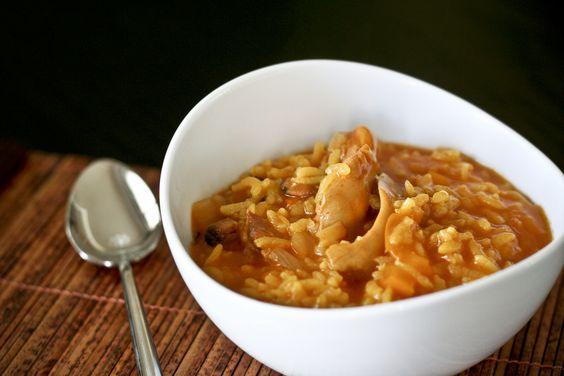 mom's arroz con pollo (chicken & rice)