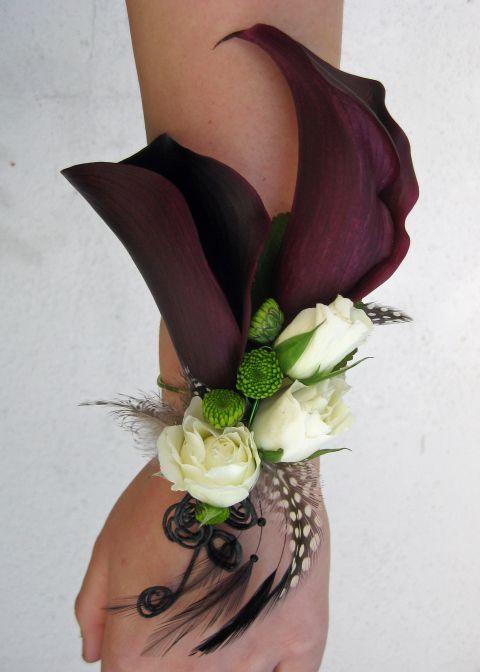 Wrist Corsages for Weddings   Found on floraldesignbyjacquelineahne.wordpress.com