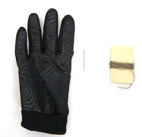 make your own touch-screen compatible gloves! (so so easy)
